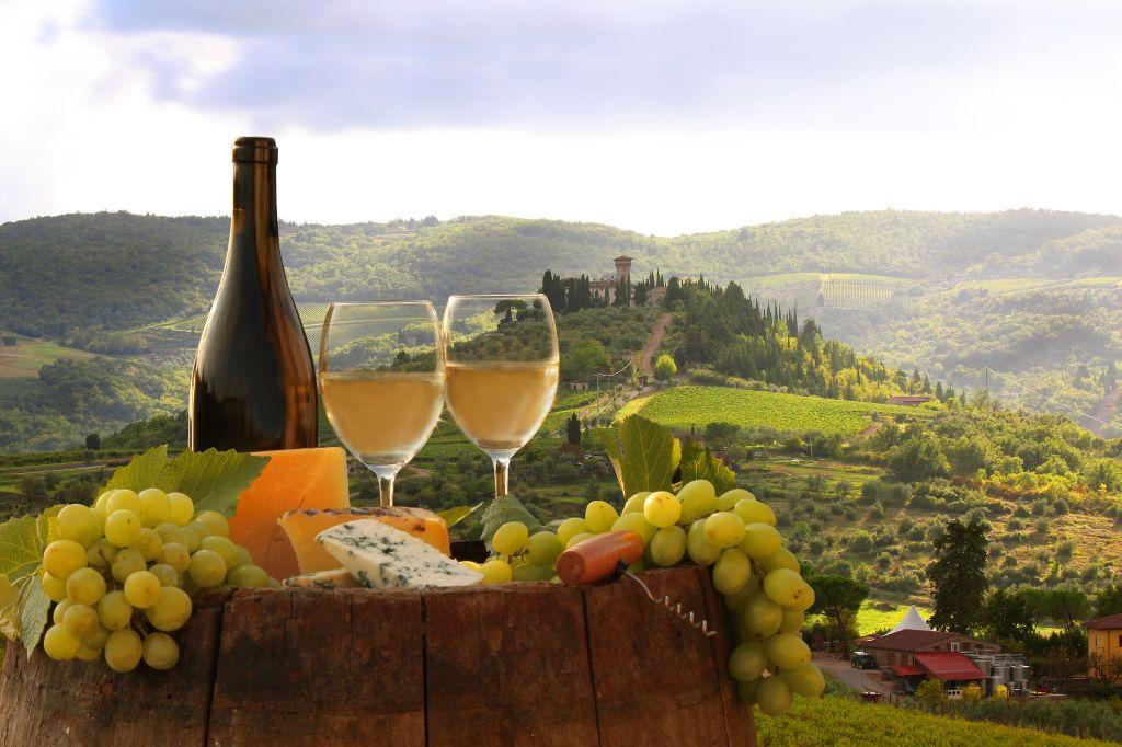 Afbeeldingsresultaat voor wine tasting italy