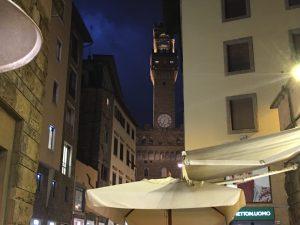 palazzo-della-signoria-at-night-in-florence-tuscany-italy